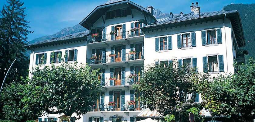 Hotel Gustavia, Chamonix, France - exterior.jpg