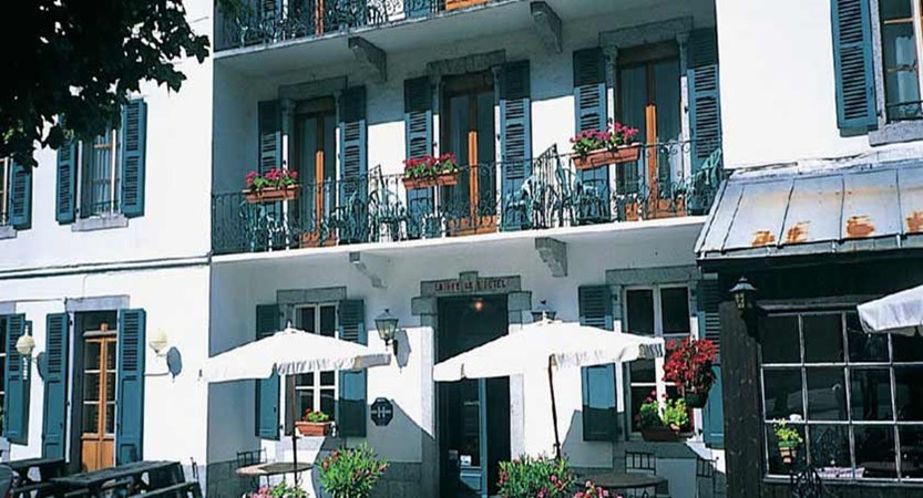 Hotel Gustavia, Chamonix, France - terrace.jpg