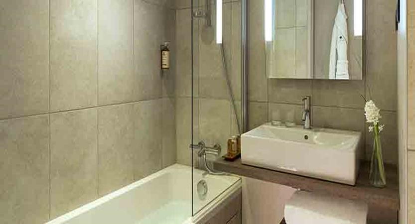 Hotel Heliopic, Chamonix, France - bathroom.jpg