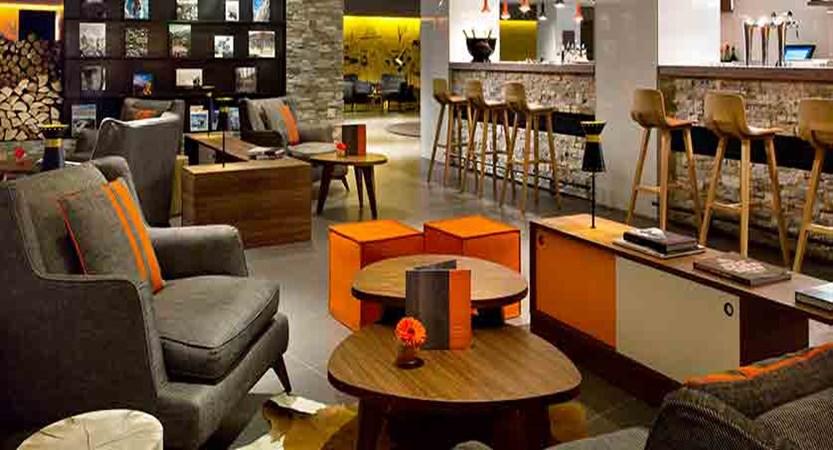 Hotel Heliopic, Chamonix, France - bar.jpg
