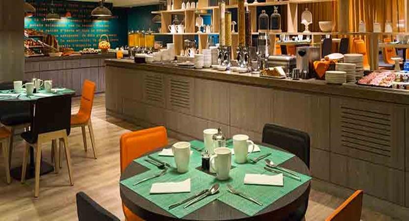 Hotel Heliopic, Chamonix, France - breakfast room.jpg