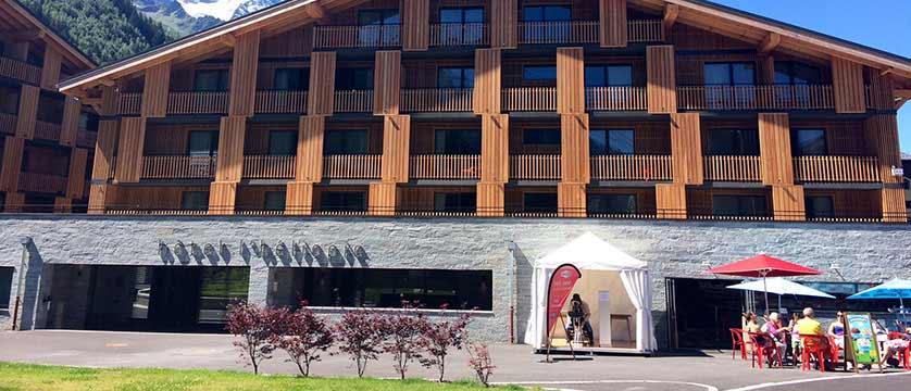 Hotel Heliopic, Chamonix, France - exterior.jpg