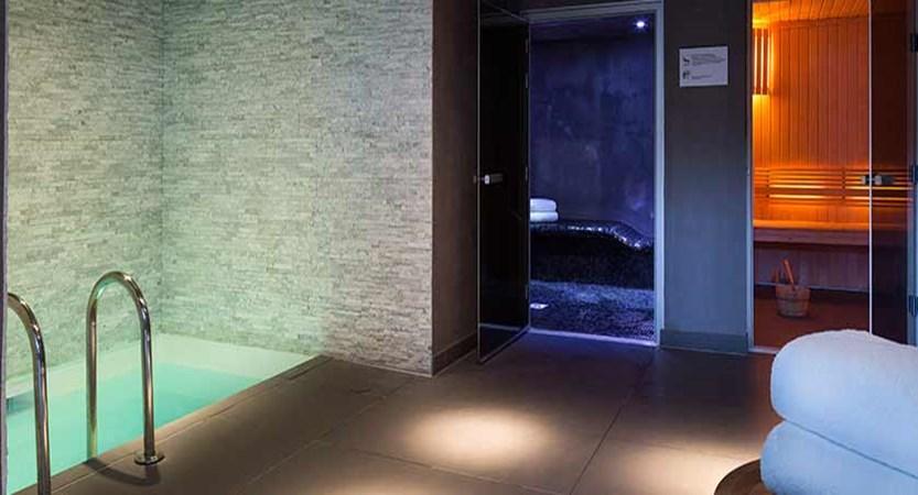 Hotel Heliopic, Chamonix, France - spa area with sauna.jpg