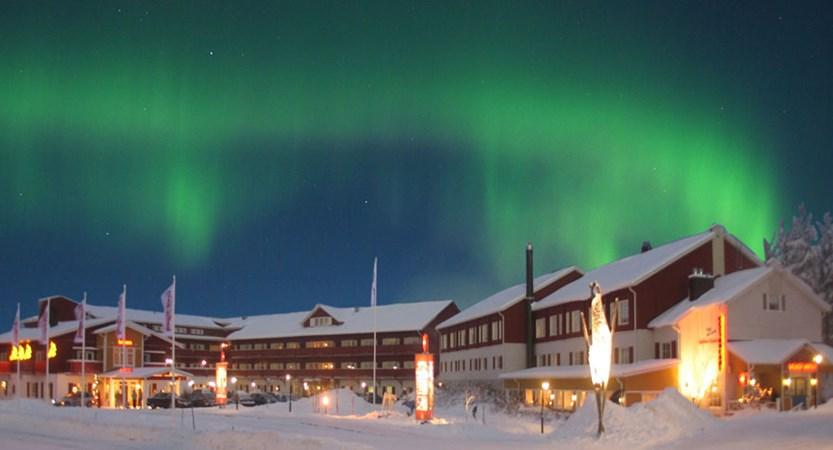 finland_lapland_levi_crazy_reindeer_hotel_northern_lights.jpg