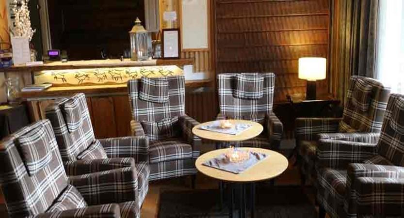 Finland_Saariselka_Muotka-Wilderness-Lodge_lounge-area.jpg