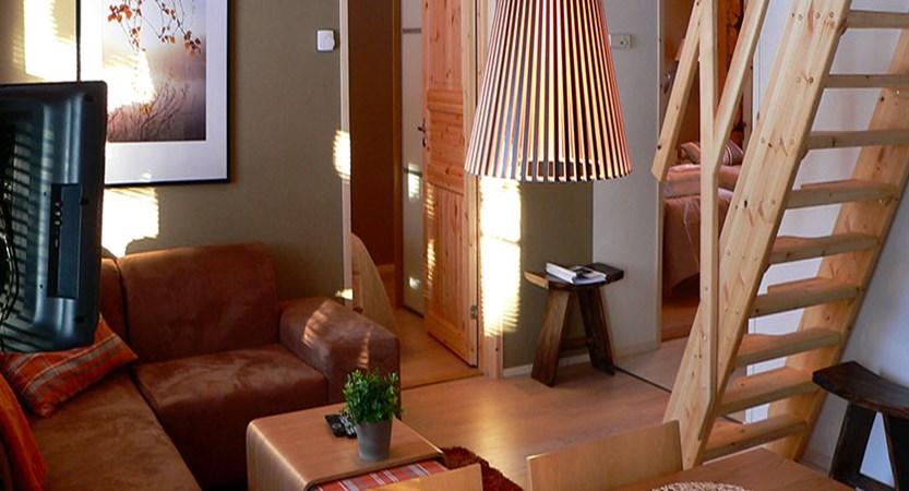 Finland_Saariselka_saariselka_log_cabin_interior.jpg