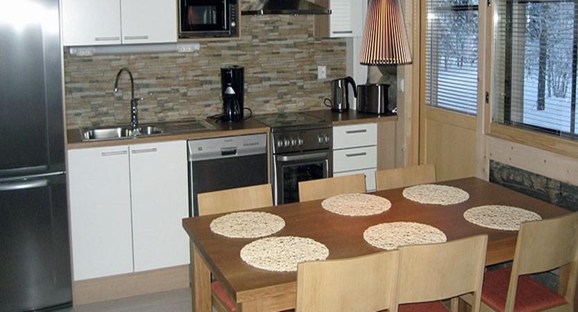 Finland_Saariselka_saariselka_log_cabin_-kitchen.jpg