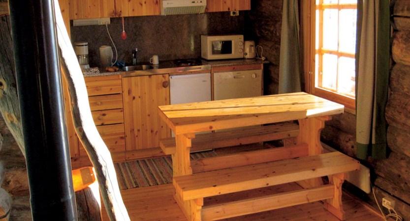 Finland_Saariselka_saariselka_inn_cabin_interior.jpg