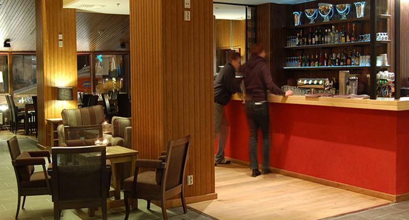 finland_lapland_saariselka_tunturi-hotel_gielas-hotel_bar-&-restaurant.jpg