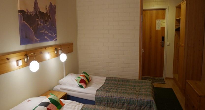 finland_lapland_saariselka_tunturi-hotel-gielas-hotel_twin-bedroom.jpg