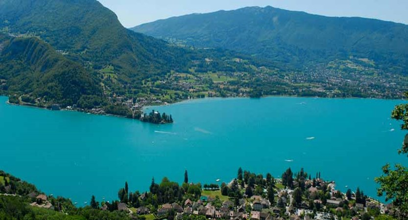 Lake Annecy view, Talloires, France.jpg