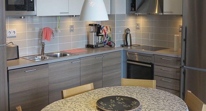 finland_lapland_saariselka_kelotahti_apartments_kitchen.jpg