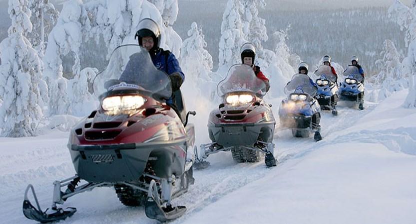 finland_lapland_saariselka_snow-mobiling4.jpg