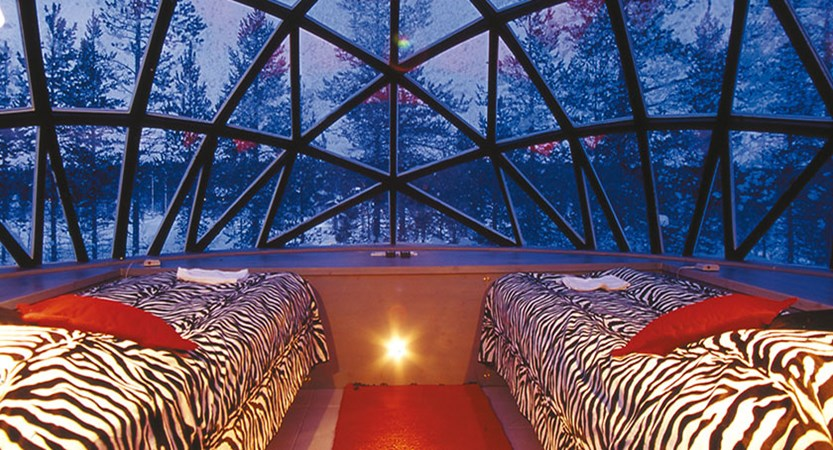 finland_lapland_saariselka_thermal-glass-igloo-interior.jpg