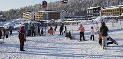finland_lapland_yllas_yllas-saaga-spa-apartments_gondola-slopes.jpg