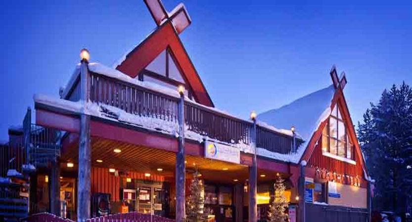 finland_lapland_yllas_akas-hotel_exterior2.jpg