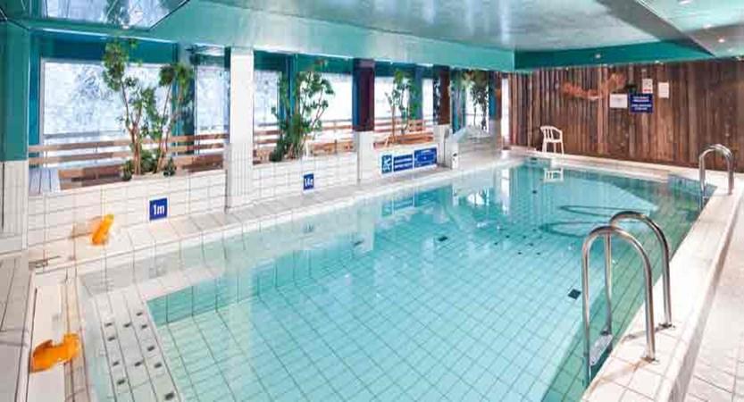 finland_lapland_yllas_akas-hotel_indoor-pool.jpg