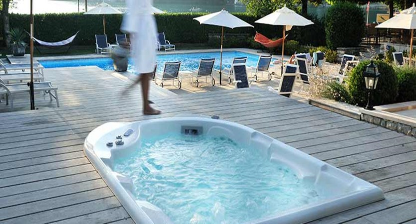 Hotel Le Cottage,Talloires, Lake Annecy, France - Jacuzzi.jpg