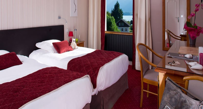 Hotel Les Grillons, Talloires, Lake Annecy, France - Twin bedroom.jpg