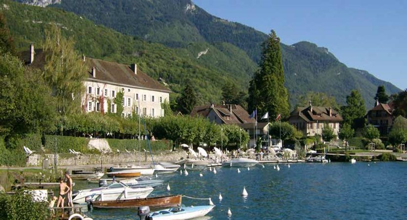 Lake views, Talloires, Lake Annecy, France.jpg