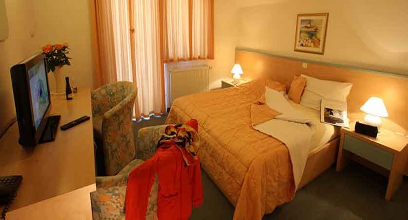 Hotel Miklic, Kranjska Gora, Slovenia - Bedroom.jpg