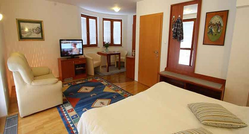 Hotel Miklic, Kranjska Gora, Slovenia - double bedroom.jpg