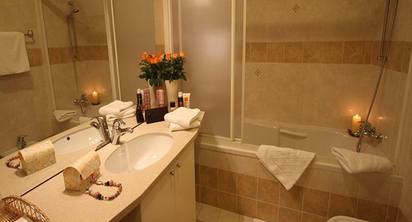 Hotel Miklic, Kranjska Gora, Slovenia - Typical bathroom with bath.jpg
