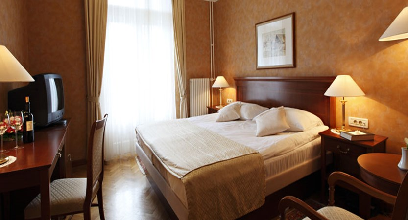 Grand Hotel Toplice, Bled, Slovenia - double bedroom 3.jpg