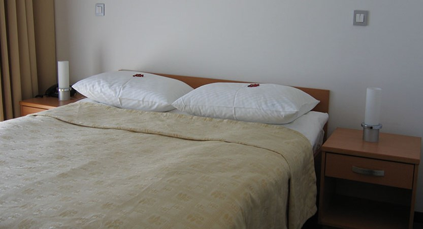 Hotel Astoria, Bled, Slovenia - double bedroom.jpg