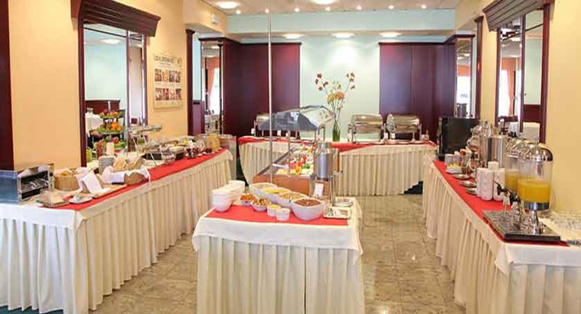 Hotel Kompas, Lake Bled, Slovenia - breakfast buffet.jpg
