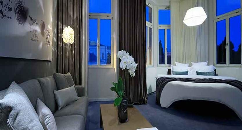 Hotel Cubo, Ljubljana, Slovenia - double bedroom.jpg