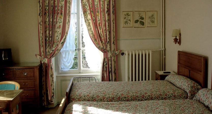 Hotel Richemond Twin bedroom 2