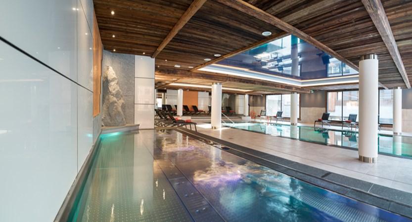 Cristal de Jade residence pool