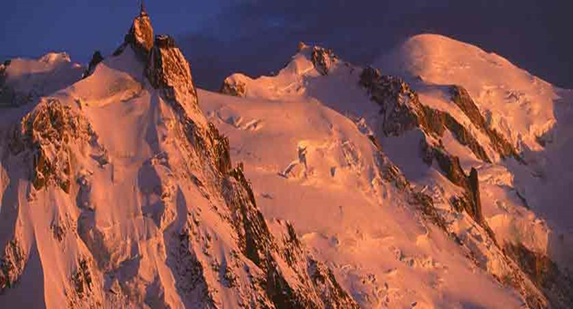 france_chamonix_view-of-mont-blanc-in-sunset.jpg