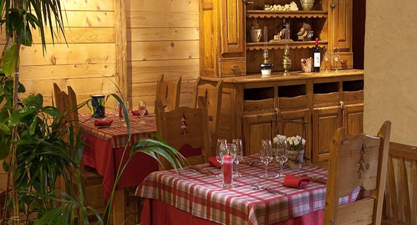 Hotel Petit dru dining 2