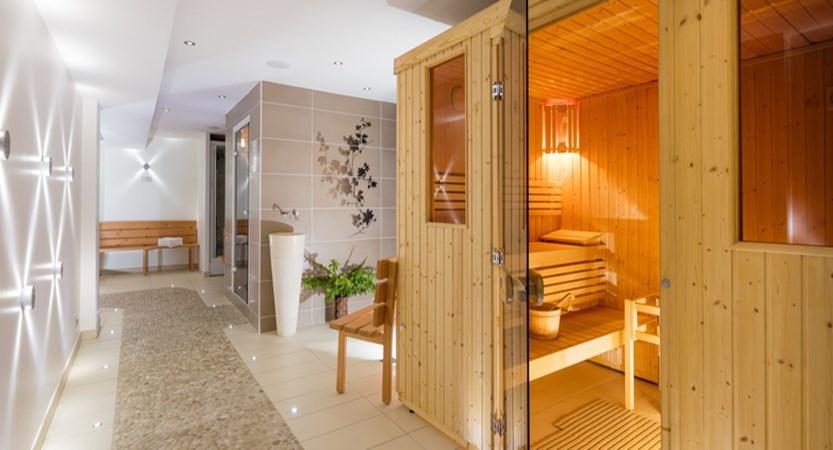 Hotel Les Airelles spa area