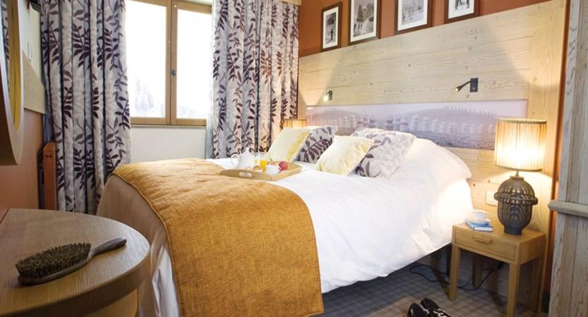 L'Amara bedroom