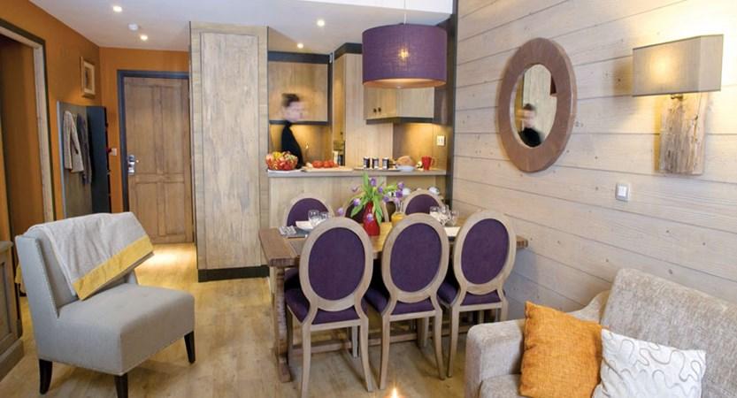 L'Amara dining room