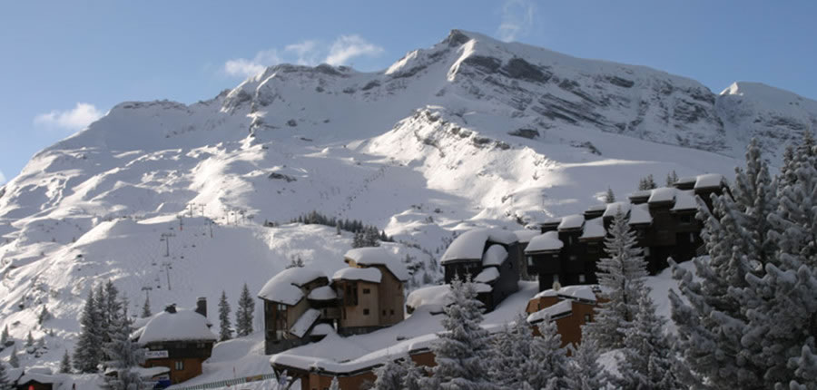 Heavy snow in the mountains in Avoriaz