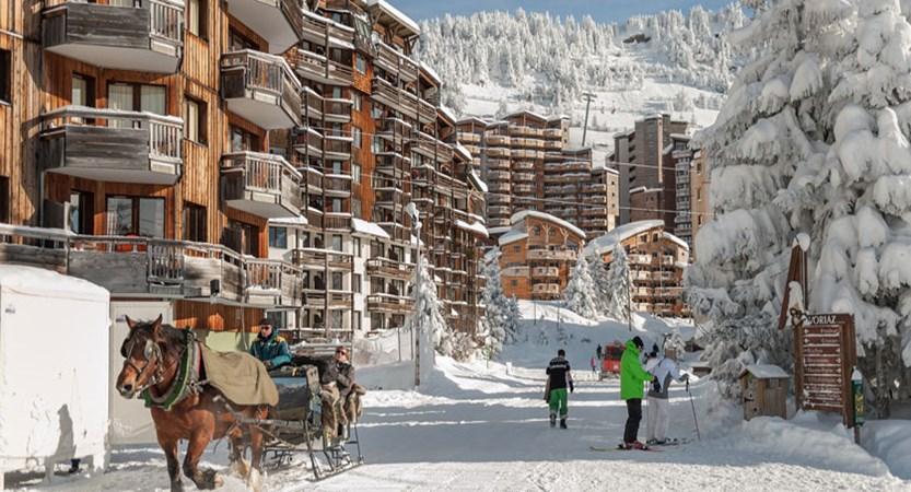 France_Portes-du-Soleil-Ski-Area_Avoriaz_Resort-horse-sled.jpg