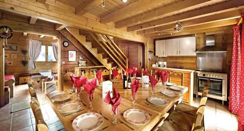 Chalet Les Arolles - Dining area