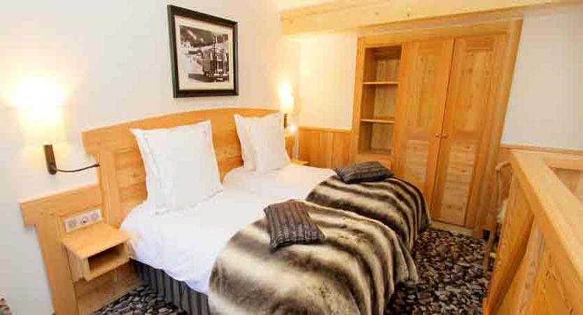 Hotel Chalet Mounier twin bedroom