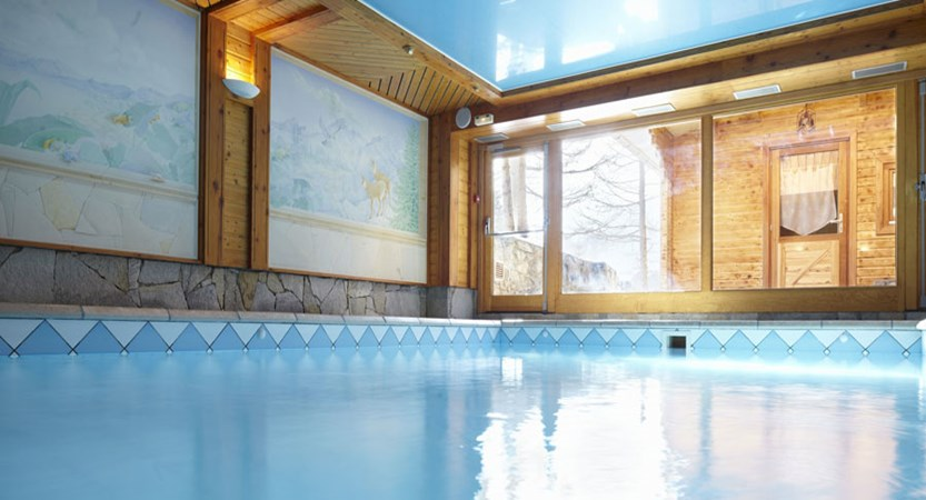 Hotel Chalet Mounier indoor swimming pool