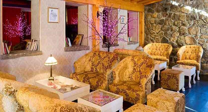 Hotel Ibiza lounge 3