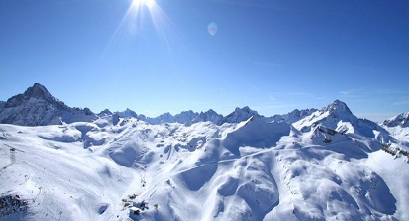 france_les-2-alpes_en-hiver.jpg