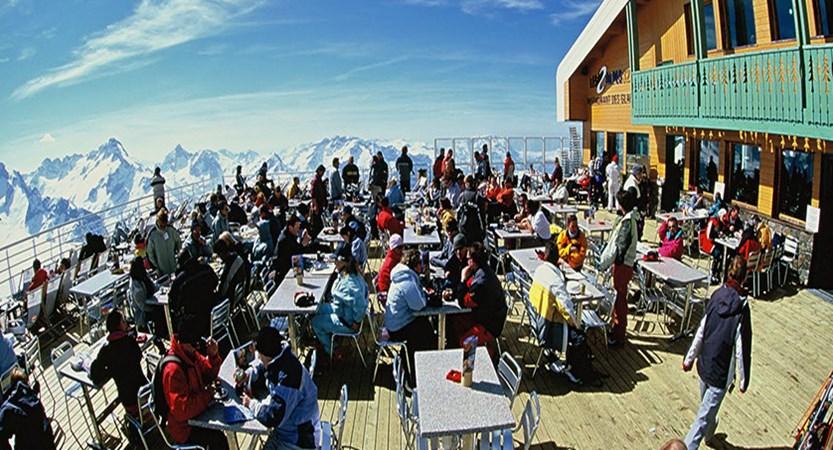 france_les-2-alpes_Restaurant_des_glaciers_01_©Bruno_Longo.jpg