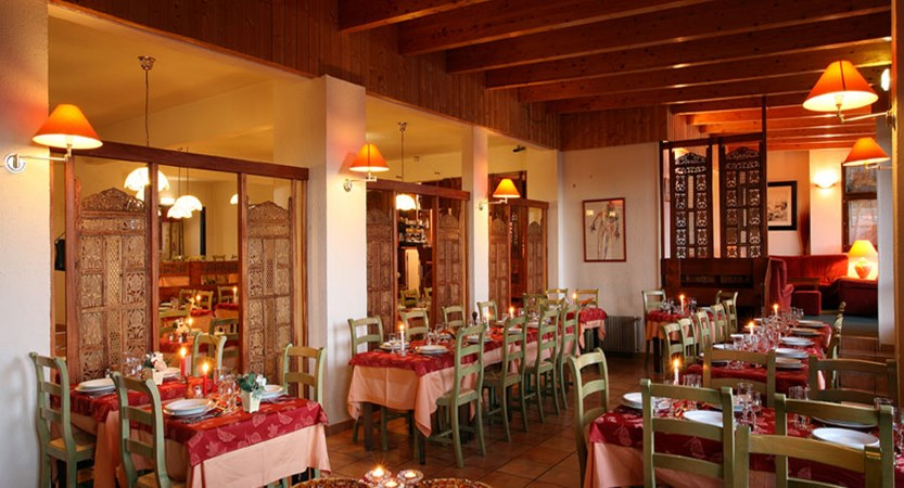 Hotel le val chaviere dining room 2