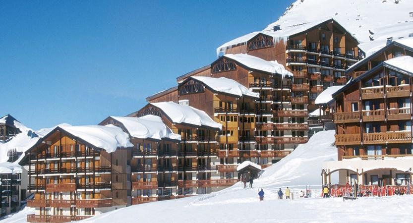Le Cheval Blanc apartments exterior piste