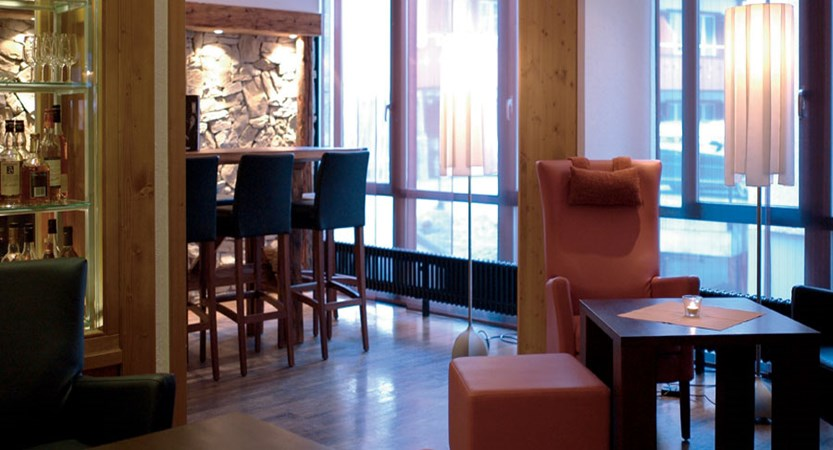 Eiger Self-Catering Apartments, Grindelwald, Bernese Oberland, Switzerland - Bar & lounge.jpg