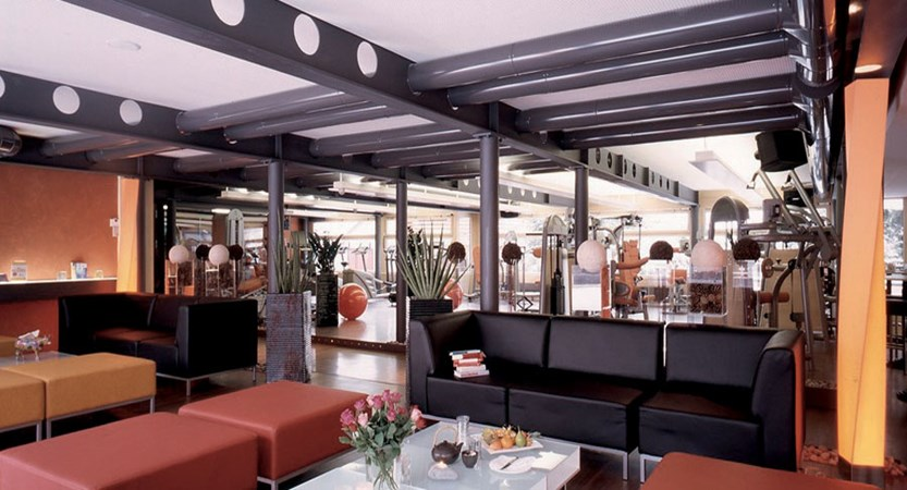 Eiger Self-Catering Apartments, Grindelwald, Bernese Oberland, Switzerland - Gym area.jpg